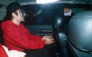 mj-in-car-michael-jackson-10771186-500-311.jpg